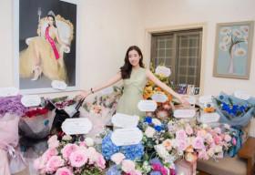 Đỗ Mỹ Linh được dàn Hoa Á hậu tổ chức sinh nhật vớisiêu xe đầy hoa khiến ai cũng trầm trồ