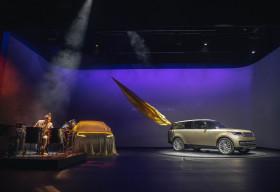 Range Rover mới ra mắt toàn cầu: Sang trọng, thiết kế đỉnh cao, giá từ 10,8 tỷ