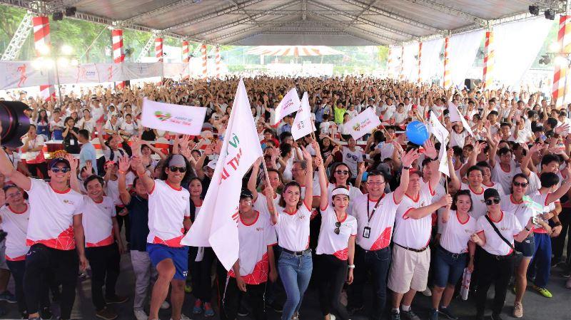 Gần 15.000 người đã tham gia Chạy Vì Trái Tim 2019 tại Celadon City quận Tân Phú TP.HCM  Chạy Vì Trái Tim lần 7 quyên góp được hơn 6 tỷ đồng, gần 250 trẻ em nghèo sẽ được chữa trị