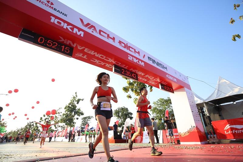 Giải Marathon Quốc tế Thành phố Hồ Chí Minh Techcombank 2 Hàng ngàn vận động viên chinh phục cung đường xanh tạiGiải Marathon Quốc tế Thành phố Hồ Chí Minh Techcombank