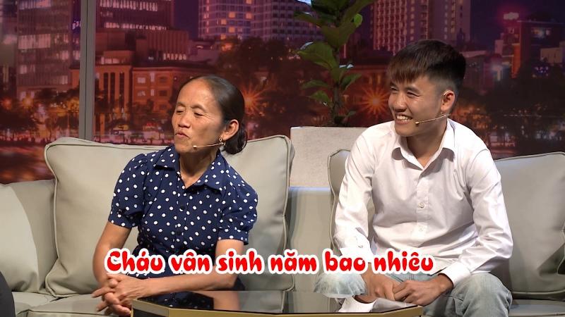 """ba tan vlog 3 Hồng Vân """"đứng hình"""" khi bà Tân Vlog hỏi: """"Chị chưa được nút vàng à?"""""""
