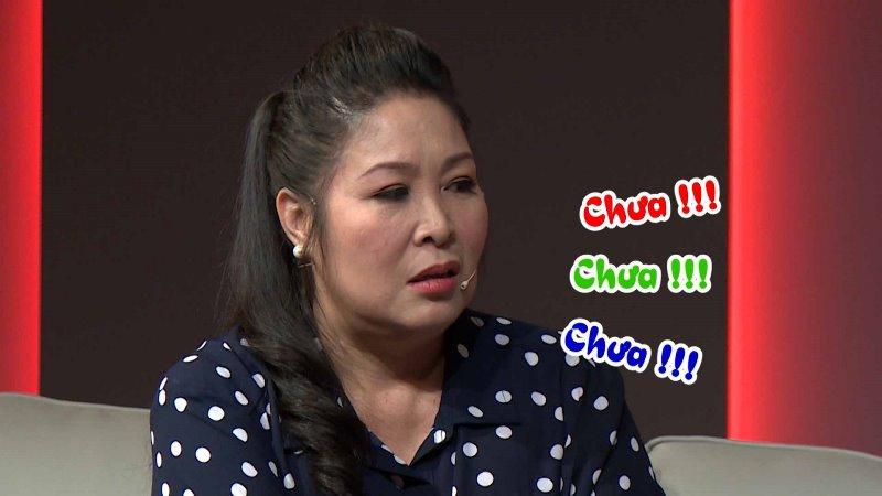 """ba tan vlog 5 Hồng Vân """"đứng hình"""" khi bà Tân Vlog hỏi: """"Chị chưa được nút vàng à?"""""""