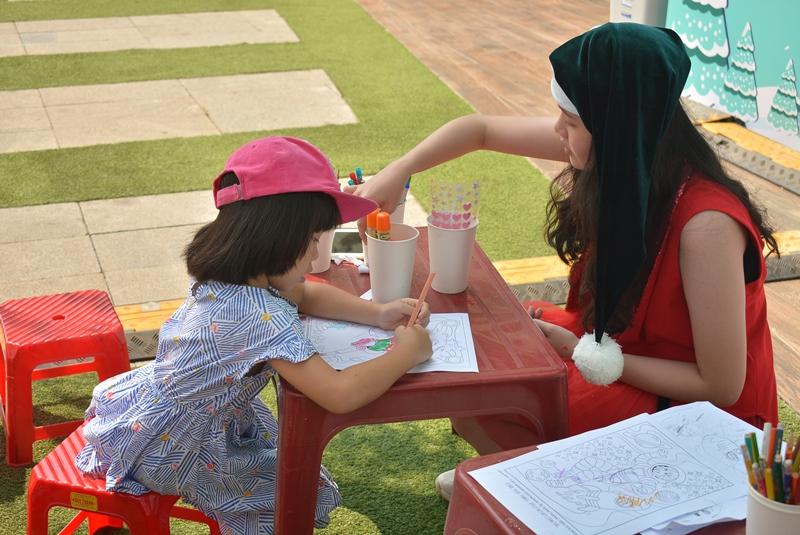 sự kiện All She Wants sự kiện cộng đồng allshewants Saigon Childrens Charity CapitaLand Vietnam 2 Hơn 1000 người tham dự sự kiện All She Wants ủng hộ trẻ em gái tới trường