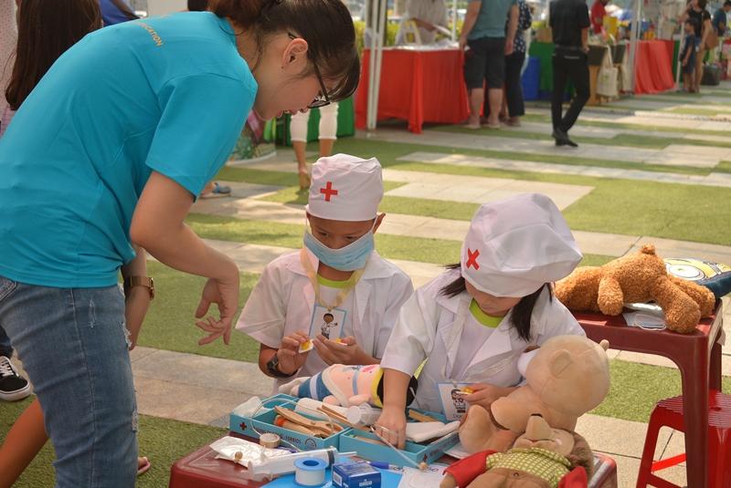 sự kiện All She Wants sự kiện cộng đồng allshewants Saigon Childrens Charity CapitaLand Vietnam 3 Hơn 1000 người tham dự sự kiện All She Wants ủng hộ trẻ em gái tới trường