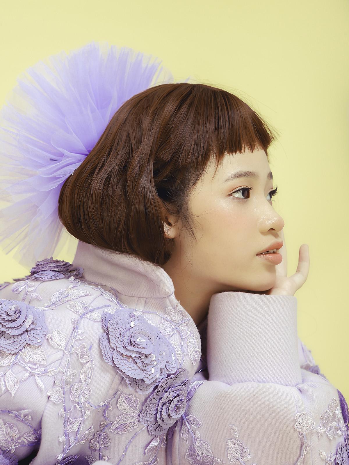 a Taisinh BST18 NTK Nguyễn Minh Công khiến khán giả bất ngờ khi 'tái dựng' BST Dating Van Gogh với mẫu nhí Bảo Hà