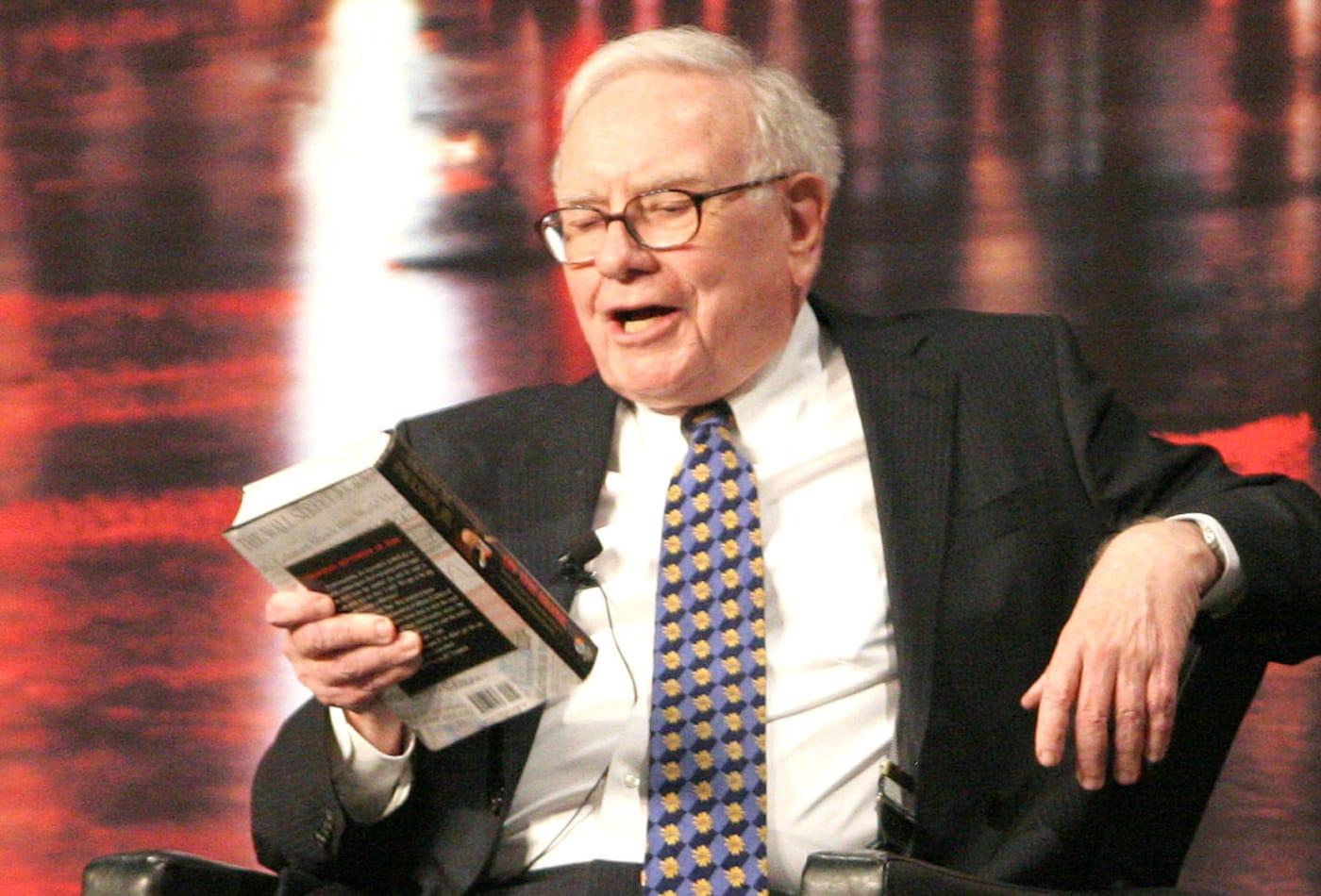 triet ly dau tu cua nhung vi tai phiet tang truong tai san manh nhat the gioi trong thap ky qua Tỷ phú Warren Buffett tiêu tiền như thế nào?