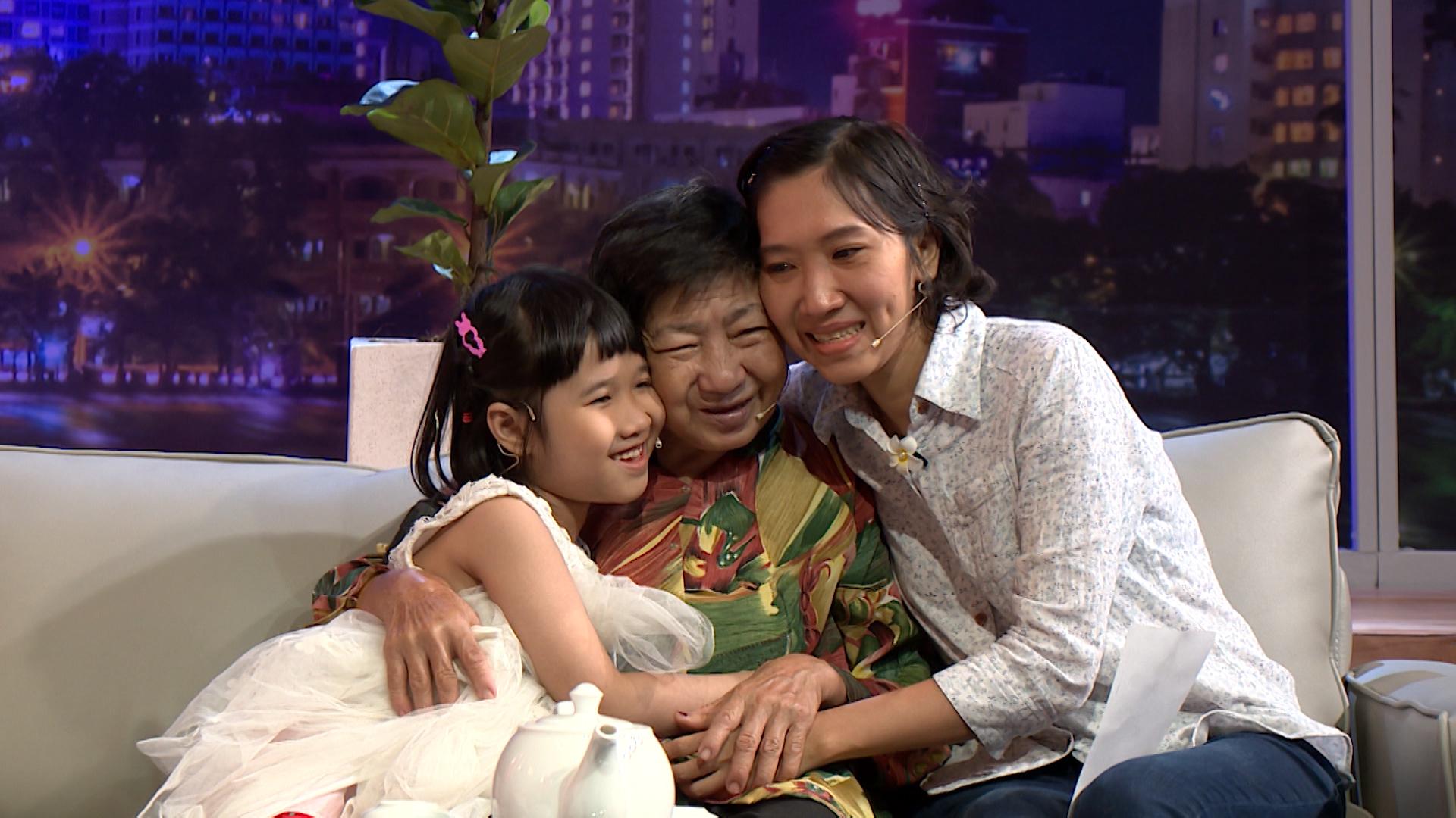 """MTVN TAP 09 FILE VTV9 07032020.mxf .00 30 55 02.Still045 Đau lòng trước câu chuyện cụ bà """"không ngủ"""", 70 tuổi bán xôi nuôi cả gia đình ba thế hệ"""