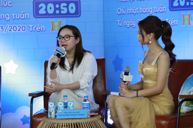 """SAM NSX HUYNH THANH THANH Đoan Trang """"tan chảy"""" vì con gái Sol nói lời yêu mẹ tại buổi họp báo livestream Thử Thách Lớn Khôn"""