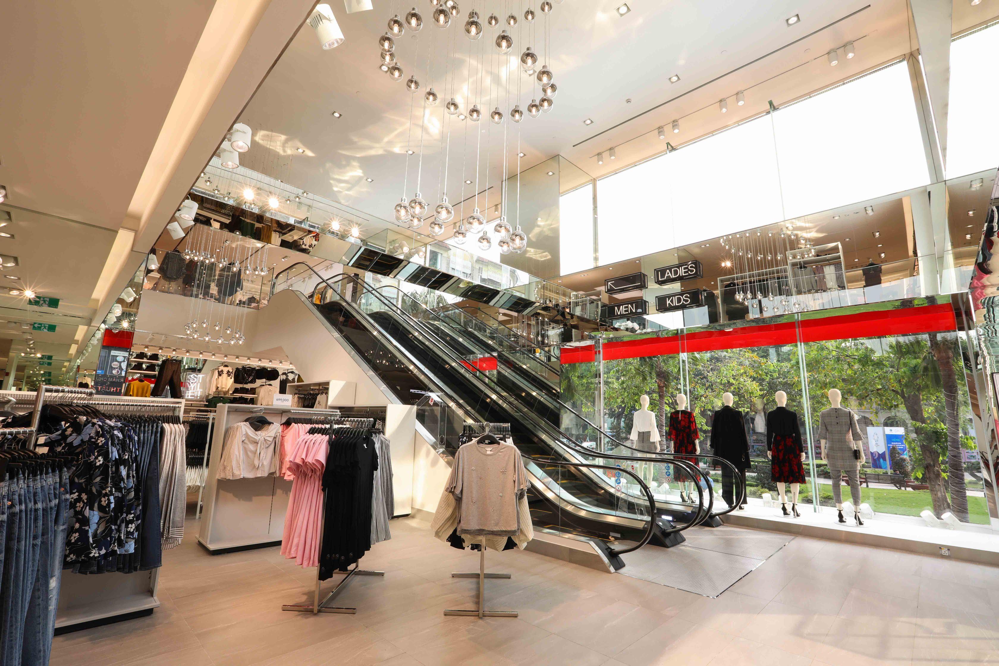 thời trang HM 1 H&M mở lại tất cả cửa hàng trên toàn quốc từ ngày 24/4