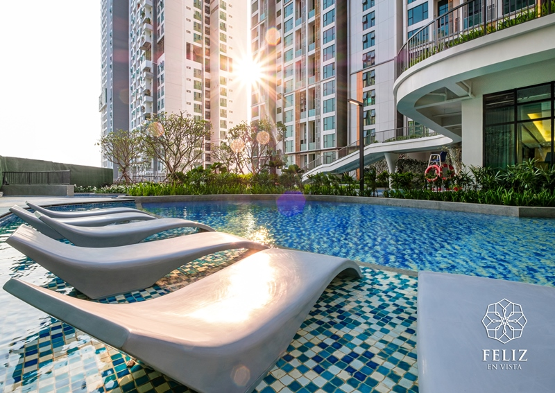 FeV Sunset at the pool 5 bí quyết cho nhịp sống năng độngcủa cư dân thông minh