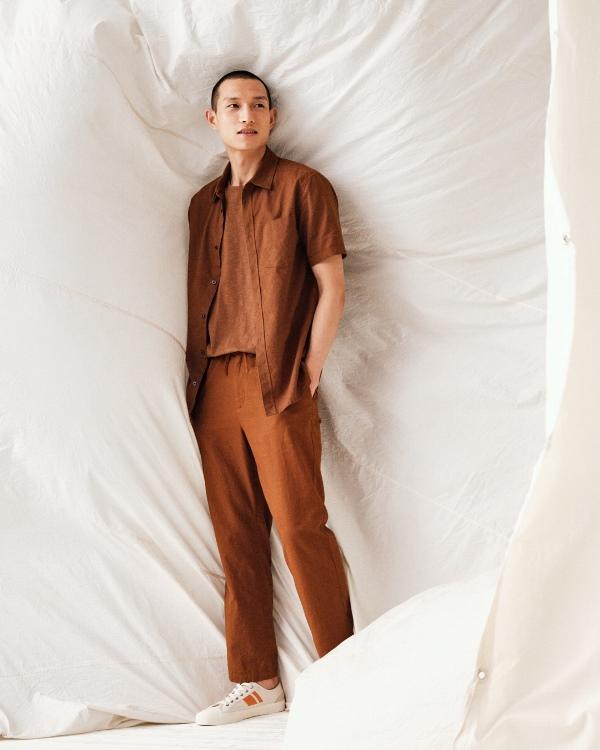 Shirt 499.000VND Pants 799.000VND Xu hướng thời trang rực rỡ và năng động cho tủ đồ mùa hè