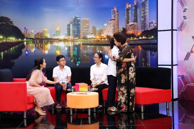 NOI DUNG TALKSHOW 3 Ốc Thanh Vân xót xa trước hai bé 14 tuổi không có giấy khai sinh, khát khao đến trường