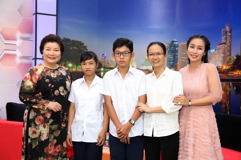NOI DUNG TALKSHOW 5 Ốc Thanh Vân xót xa trước hai bé 14 tuổi không có giấy khai sinh, khát khao đến trường