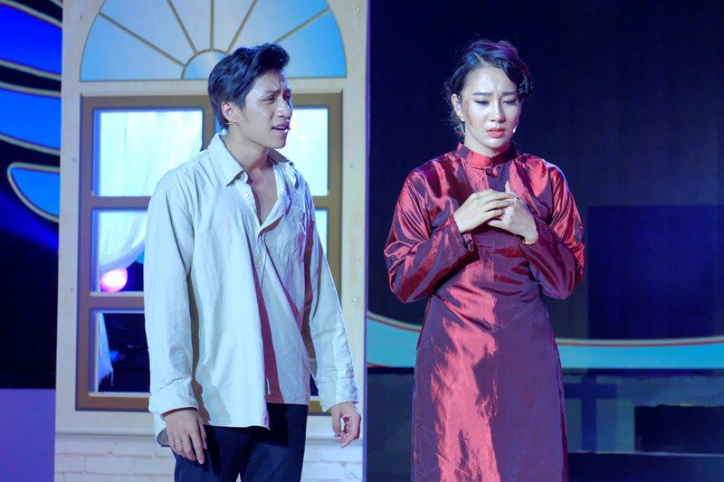 """Pham Lich Bui Duy Ngoc 1 Lý Nhã Kỳ """"ganh tỵ"""" với Phạm Lịch vì được """"diễn cảnh hôn"""" cùng Nguyễn Phi Hùng"""