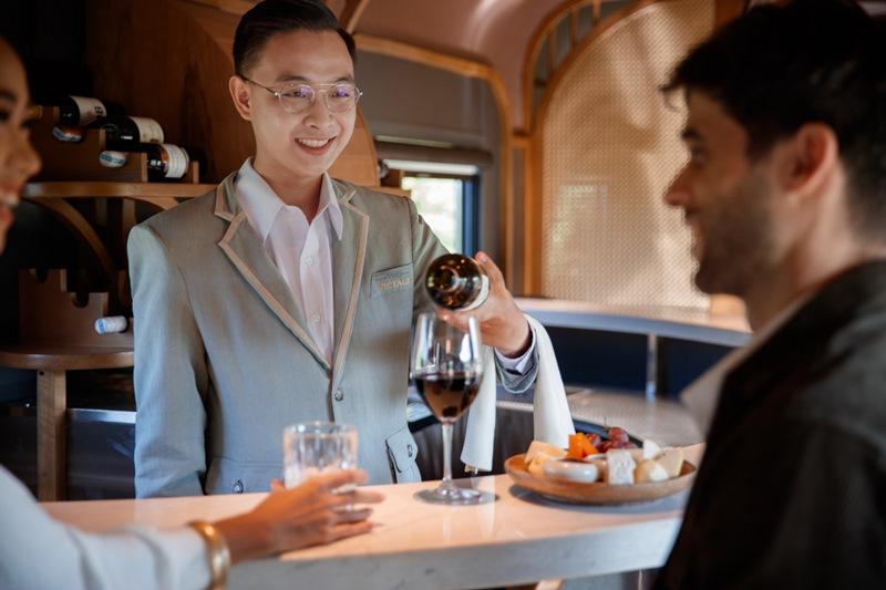 The Vietage Bar Host The Vietage lăn bánh, mở ra trải nghiệm đẳng cấp thương gia du lịch bằng tàu hỏa