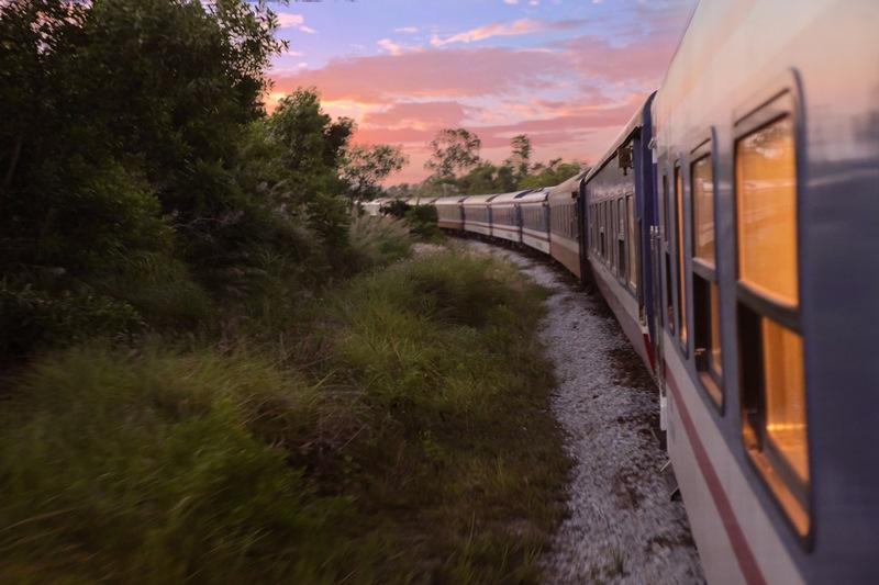 The Vietage Exterior The Vietage lăn bánh, mở ra trải nghiệm đẳng cấp thương gia du lịch bằng tàu hỏa