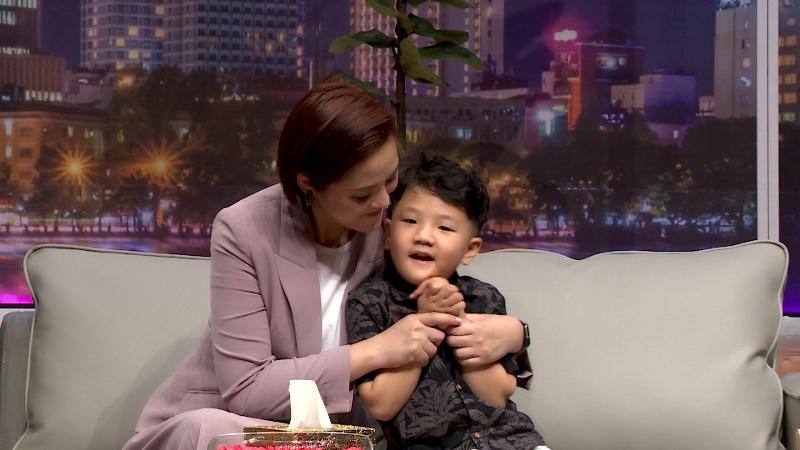 mẹ quỳnh và Be Thu Quỳnh vỡ òa hạnh phúc khi con trai 5 tuổi nói sẽ bảo vệ mẹ