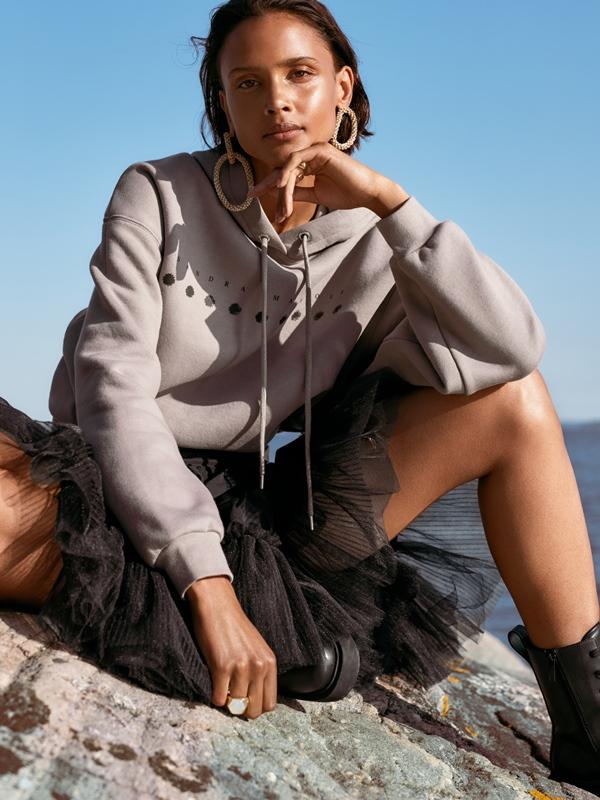 HM NTK Sandra Mansour 2 H&M hợp tác với NTK Sandra Mansour ra mắt BST đậm nét nữ tính và tình yêu thiên nhiên