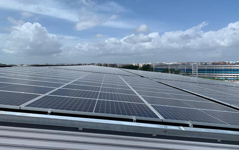 """LogisTech là tòa nhà cung ứng đầu tiên tại Singapore được chứng nhận cao nhất cấp Bạch kim cho Giá trị Xanh về tiêu chí """"Siêu tiết kiệm năng lượng"""" bởi BCA CapitaLand đạt giải thưởng Giá trị Xanh danh giá nhất của Bộ Xây dựng Singapore"""
