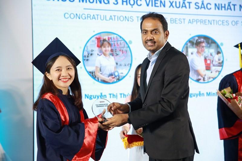 4 hinh tot nghiep Đào tạo nghề song hành: Xu hướng chọn ngành mới của giới trẻ Việt