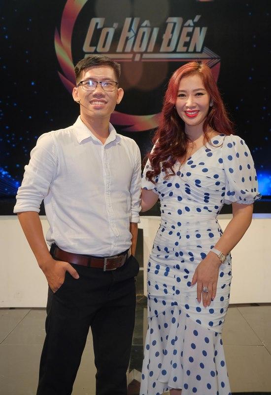 Cơ Hội Đến 2 Á hậu Thu Hương hào hứng chia sẻ kiến thức kinh doanh cho giới trẻ