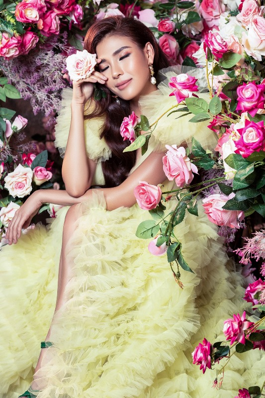 Thuy Diem0 Bà xã Lương Thế Thành khoe thân hình cực phẩm, quyến rũ trong bộ ảnh chuẩn hoa hậu