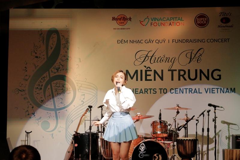 Ca sĩ Carol Thảo My VinaCapital Foundation gây quỹ hơn 530 triệu VND qua chiến dịch Hướng về miền Trung