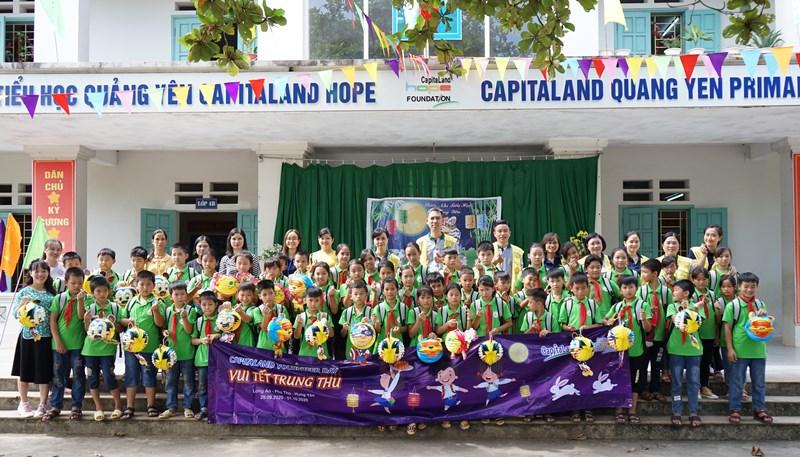 capitaland 6 CapitaLand trao quà và học bổng cho hơn 1.400 học sinh tại 4 trường CapitaLand Hope nhân dịp Trung thu
