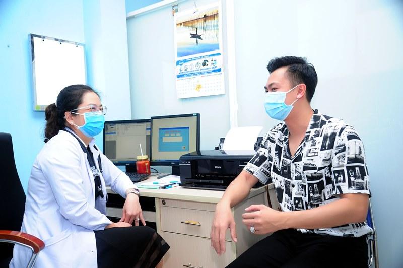 ho viet trung 1 Hồ Việt Trung lo lắng vì vừa ra Giải cứu tiểu thư 6 đã phải vào viện