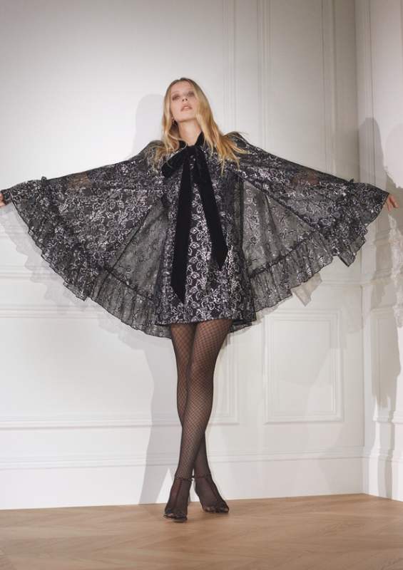sRGB Illona 2 H&M hợp tác với The Vampire's Wife: Một bộ sưu tập quyến rũ, huyền bí và mạnh mẽ