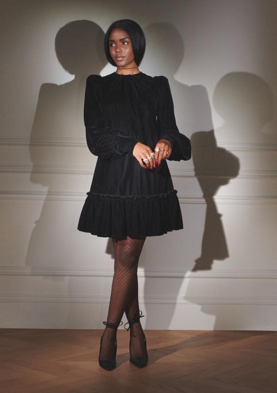 sRGB Illona 3 H&M hợp tác với The Vampire's Wife: Một bộ sưu tập quyến rũ, huyền bí và mạnh mẽ