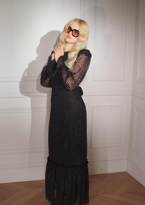 sRGB Illona 5 H&M hợp tác với The Vampire's Wife: Một bộ sưu tập quyến rũ, huyền bí và mạnh mẽ