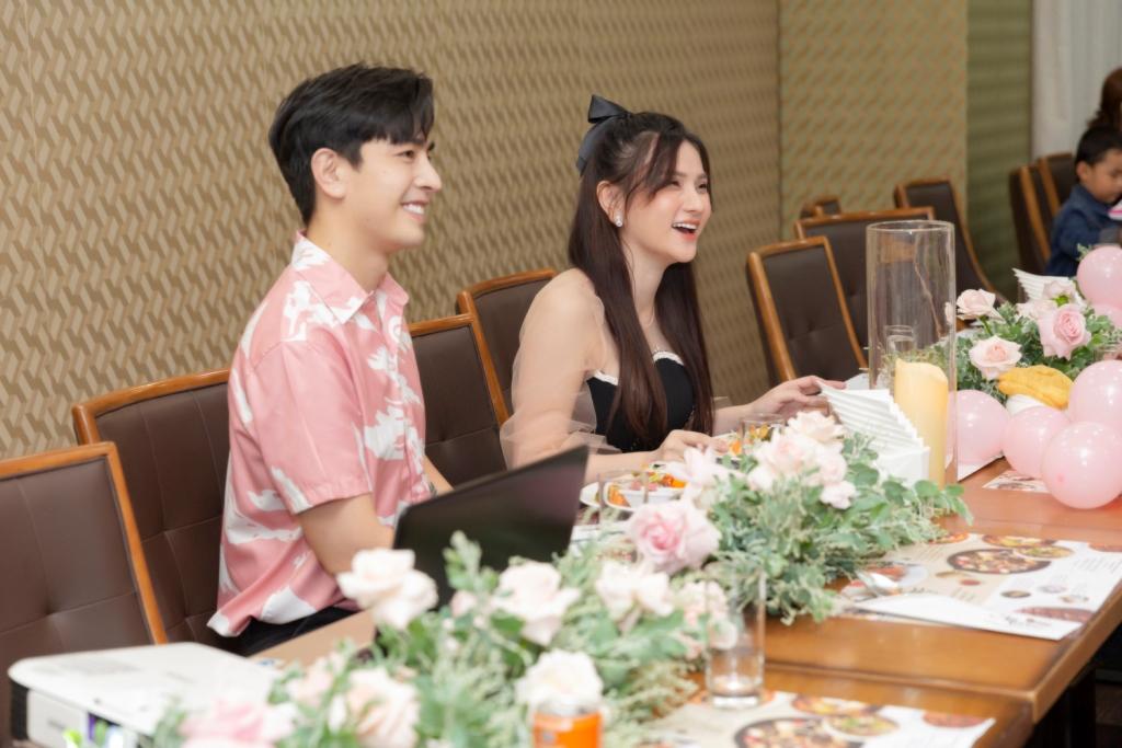 ung hoang phuc 5 Vợ chồng Ưng Hoàng Phúc – Kim Cương tổ chức tiệc sinh nhật tròn 1 tuổi cho con gái