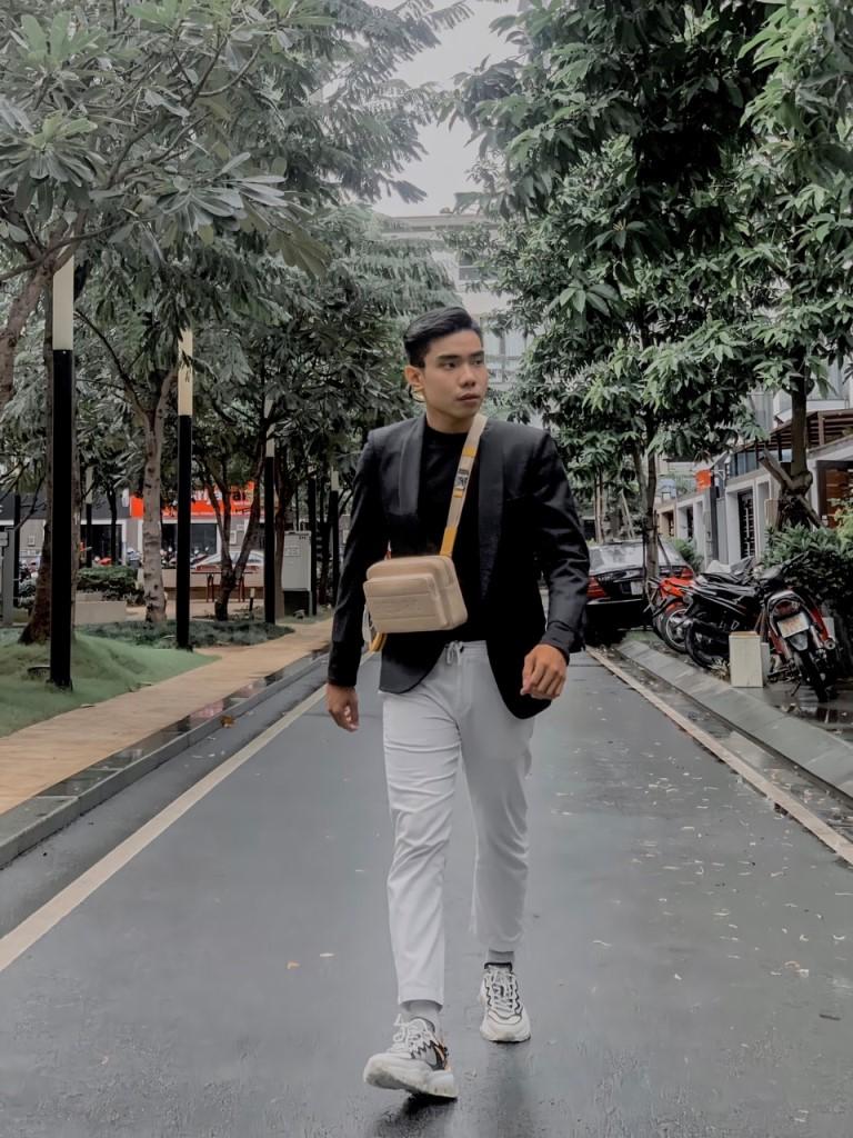 """6.1 Sau tròn 1 tháng ra mắt BST độc quyền của PEDRO tại Việt Nam vẫn được giới trẻ khoe đều đặn trên facebook hứa hẹn """"còn lâu mới hạ nhiệt"""" BST mới của PEDRO vẫn khiến cộng đồng mạng điên đảo sau 1 tháng ra mắt"""
