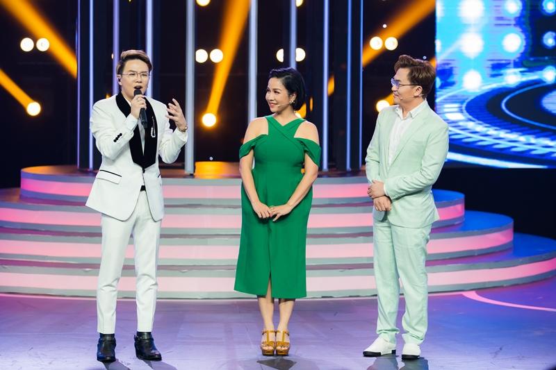 """GIAM KHAO  Lynk Lee hóa Quang Linh, Cara """"vào vai"""" Cẩm Ly ở tập mở màn Gương Mặt Thân Quen"""