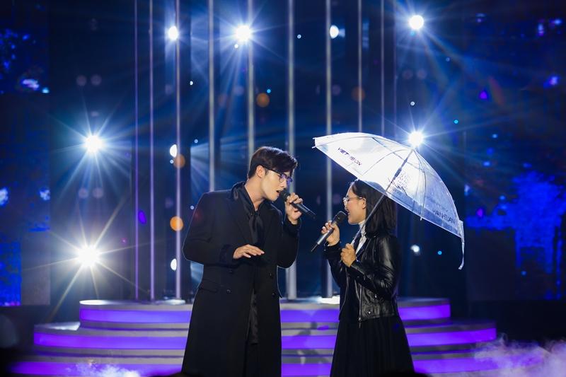 """HAI DANG DOO Lynk Lee hóa Quang Linh, Cara """"vào vai"""" Cẩm Ly ở tập mở màn Gương Mặt Thân Quen"""
