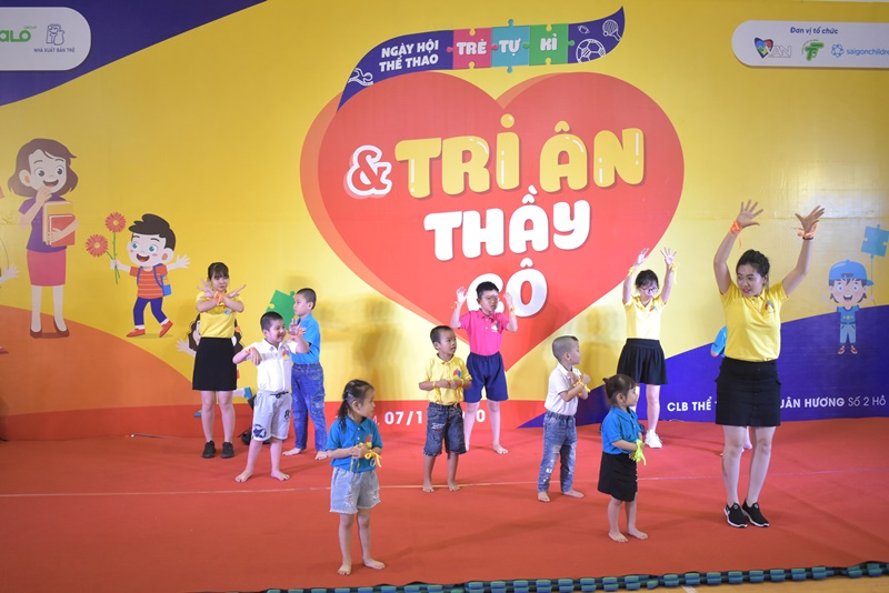 tre tu ky 8 Hơn 350 trẻ tự kỷ hào hứng tham gia hội thao mừng ngày nhà giáo