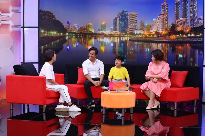 Be Minh Hieu trong Dieu Con Muon Noi 3 Ốc Thanh Vân bất ngờ câu chuyện cậu nhóc 7 tuổi được ba mẹ dùng tiền làm chính sách giáo dục