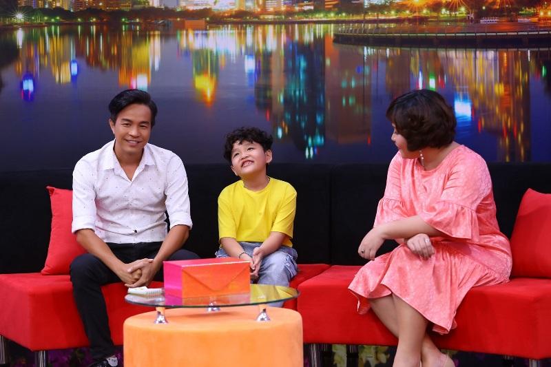 Be Minh Hieu trong Dieu Con Muon Noi 4 Ốc Thanh Vân bất ngờ câu chuyện cậu nhóc 7 tuổi được ba mẹ dùng tiền làm chính sách giáo dục