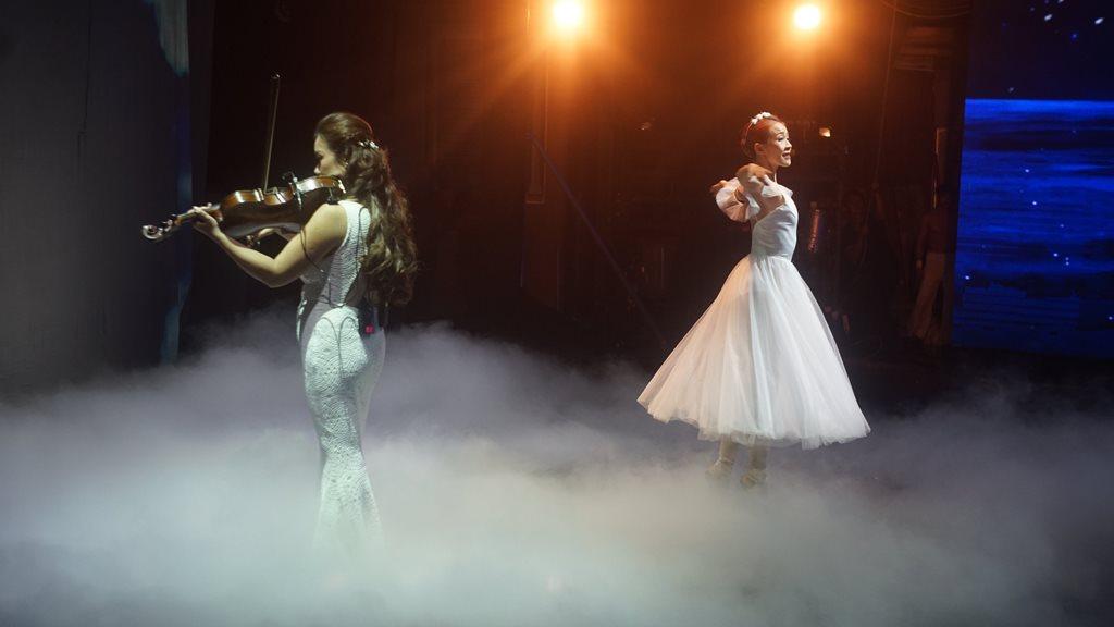 the gioi nuoc 1 Thế giới nước   Show diễn khiến người xem mãn nhãn với hiệu ứng hình ảnh 3D trên sân khấu