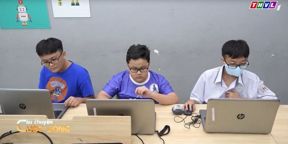 day tre  Áp dụng công nghệ trong giáo dục trẻ: Dễ hay khó?