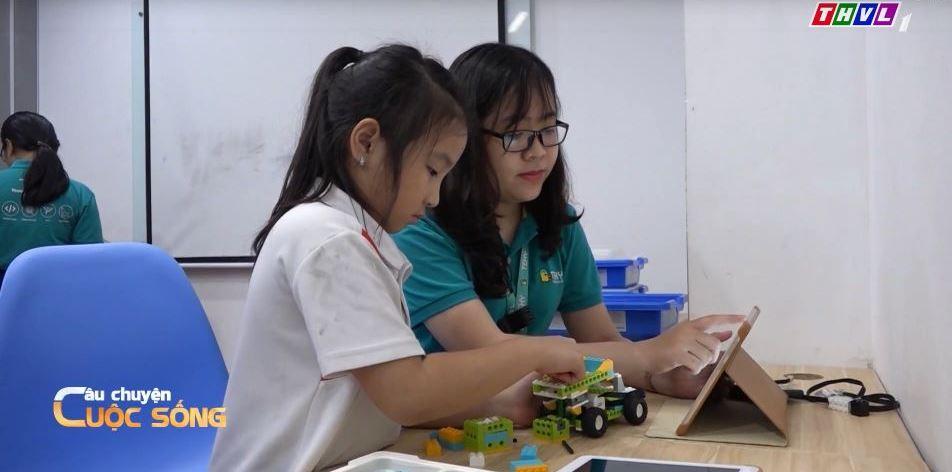 day tre 2 Áp dụng công nghệ trong giáo dục trẻ: Dễ hay khó?