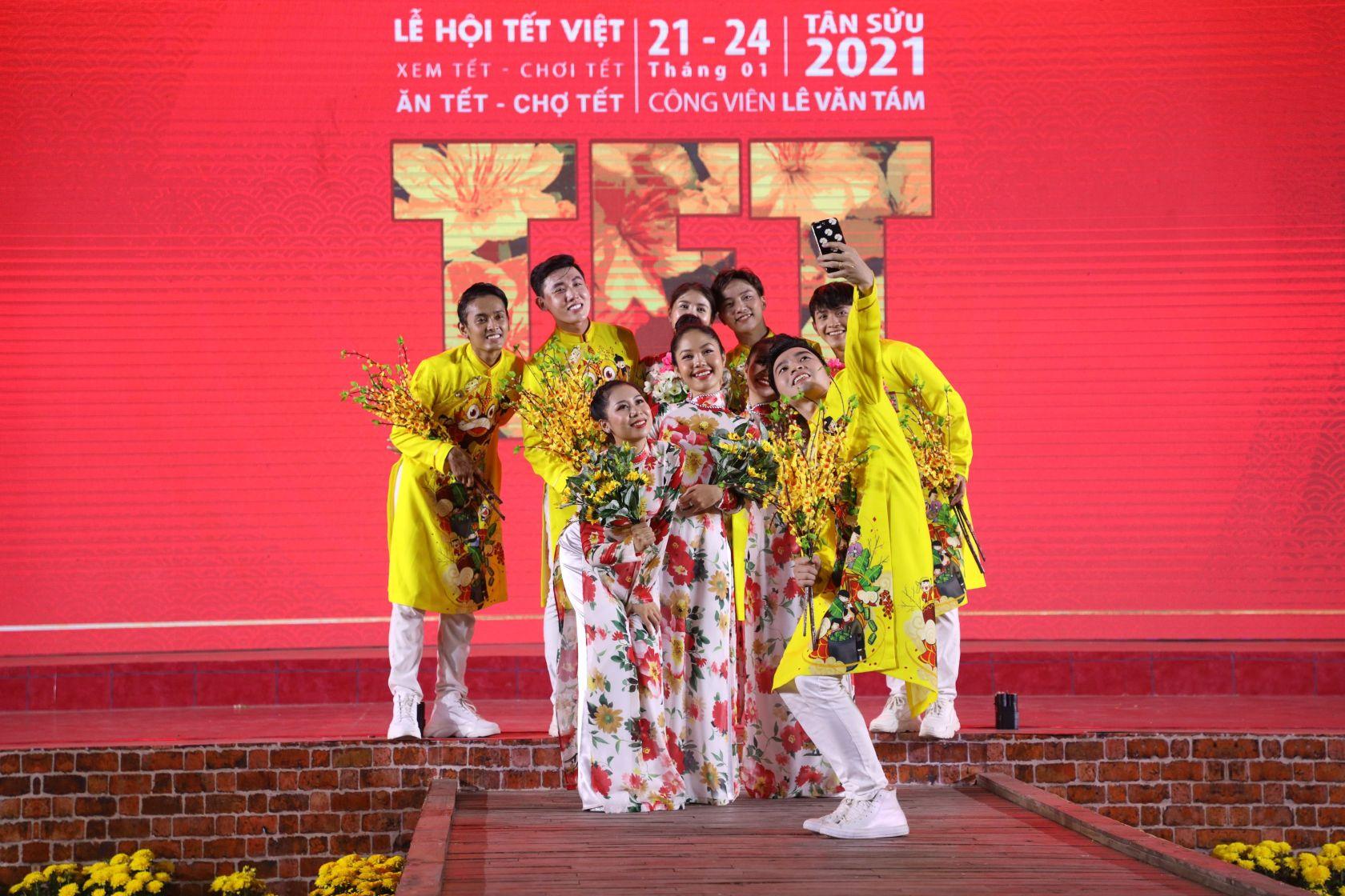 le hoi tet viet 1 Lễ hội Tết Việt 2021 chính thức khai mạc với nhiều hoạt động thú vị