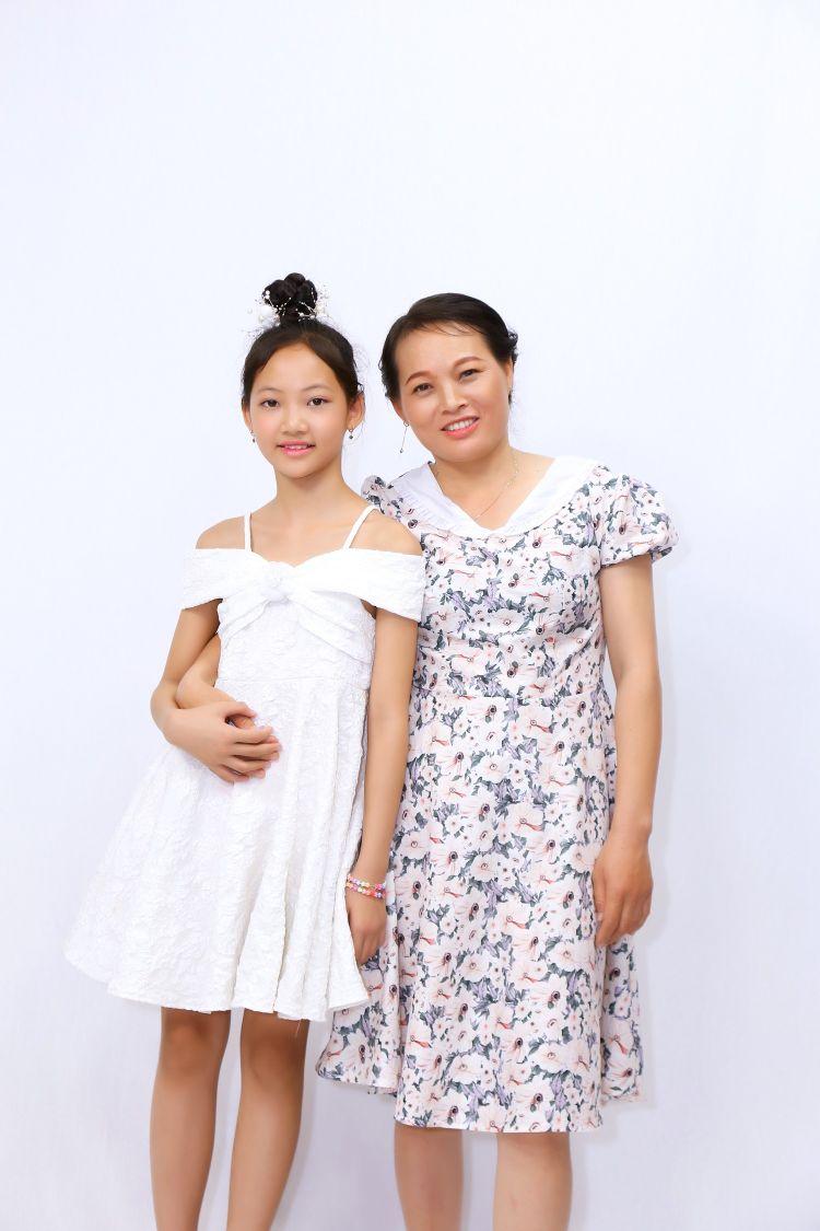 Chi Hieu me be Khanh Thao trong DCMN 8 Cô bé 11 tuổi không giấu bạn bè việc mẹ đi lượm ve chai vì sợ mẹ tủi thân