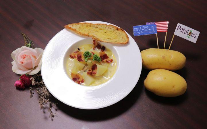 KHOAI TAY NAU VOI NGHEU VA THIT XONG KHOI Bếp trưởng Lê Xuân Tâm truyền nghề món ngon từ khoai tây Mỹ cực hấp dẫn, dễ làm