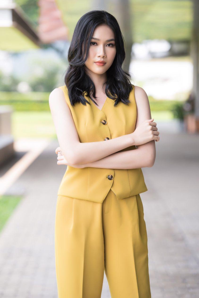 A HAU PHUONG ANH 19 Á hậu Phương Anh: Tìm công việc phù hợp sẽ giống như việc bạn tìm bạn trai