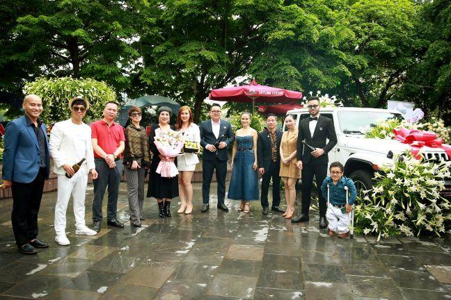 Ca sĩ Doanh nhân – Nguyễn Thu Trang 4 Ca sĩ Doanh nhân Nguyễn Thu Trang sở hữu xe khủng của Mỹ   Jeep Wrangler lần đầu tiên có mặt tại Hà Nội
