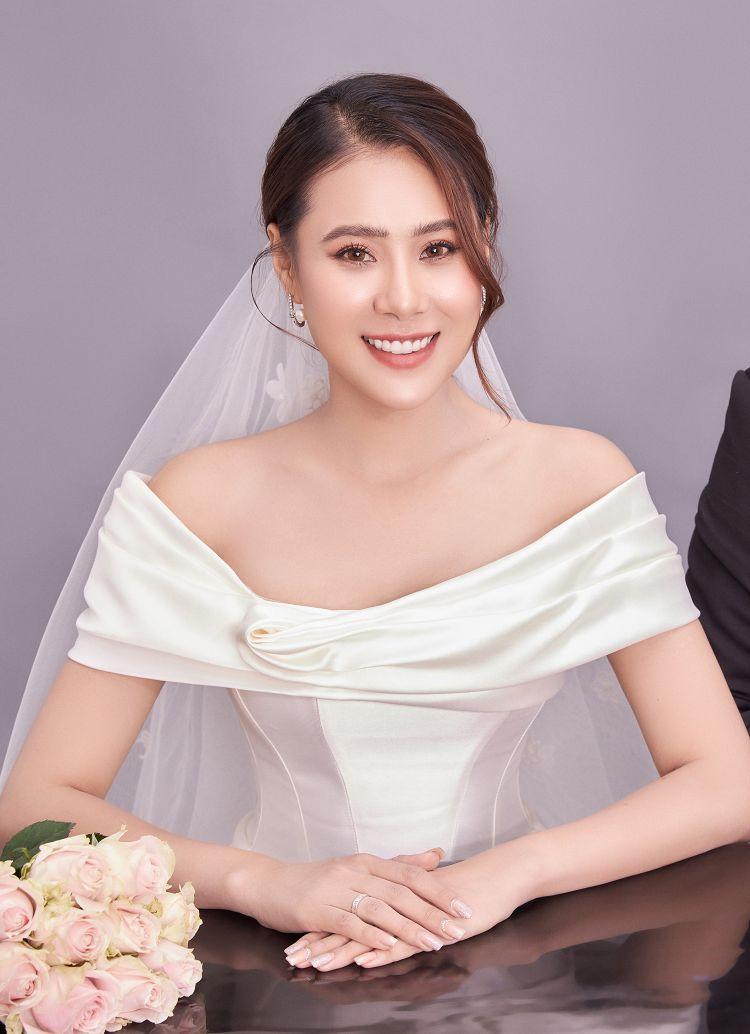 Diễn viên Hồ Bích Trâm khoe ảnh cưới và thông báo sẽ kết hôn vào đầu tháng 5 1 Diễn viên Hồ Bích Trâm khoe ảnh cưới và thông báo sẽ kết hôn vào đầu tháng 5