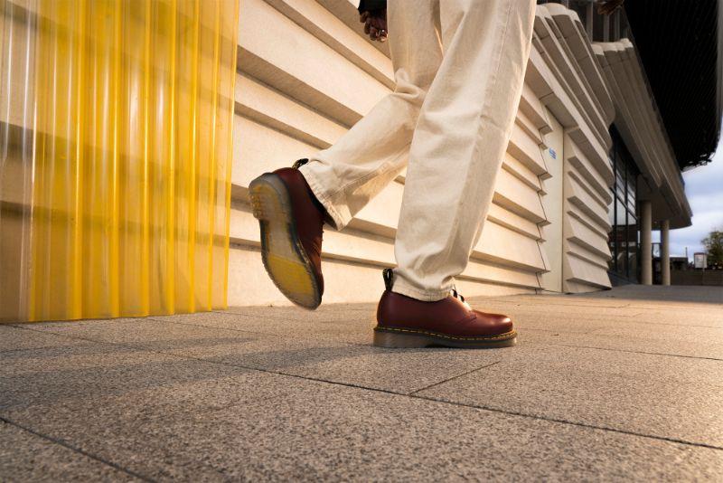 Dr. Martens 1461 Iced 1 Dr. Martens ra mắt mẫu giày mới với thiết kế đế trong suốt độc đáo 1461 Iced