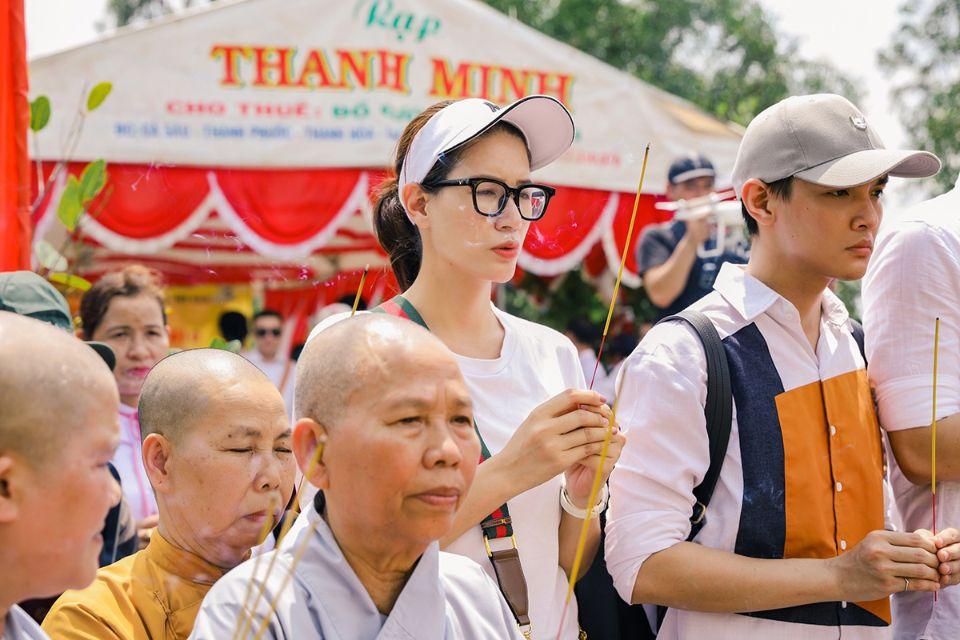 Duoc si Tien5 Dược sĩ Tiến xây cầu hơn3 tỉ bằng cát xê của Trang Trần trong phim Hạnh Phúc Máu